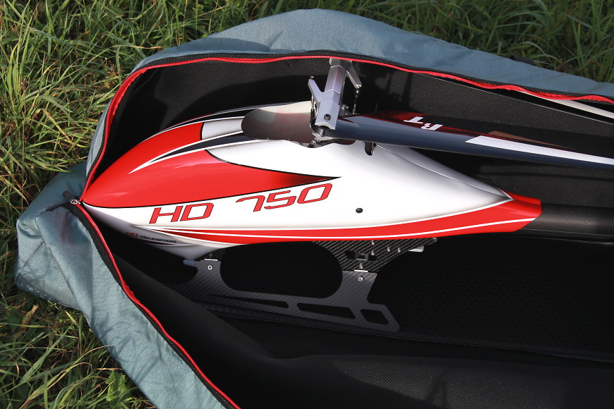 Aerolutions RC Helikopter Transporttasche für den HD 750 (von oben, vorderer Bereich mit Kunststoffboden)