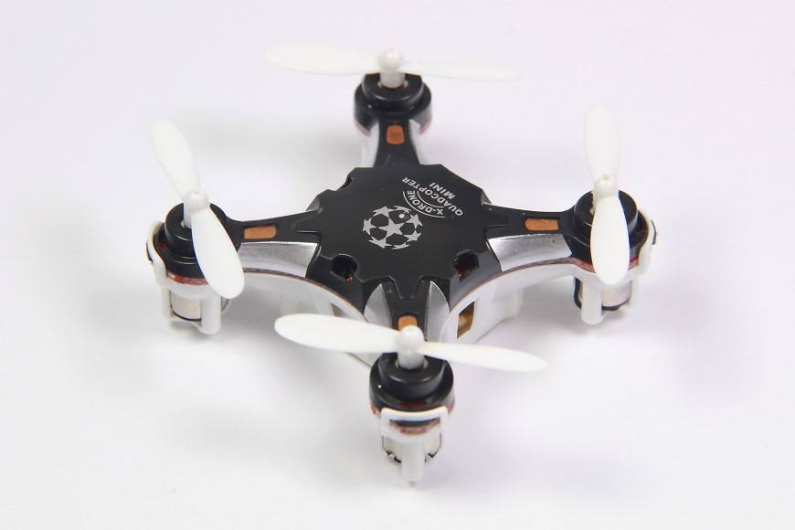 Sbego FQ777-124 Pocket Drone - Ansicht von schräg oben